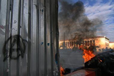 Graikiją sudrebino serija išpuolių
