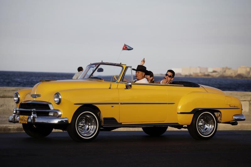 Pavojingiausia vairuoti geltonos spalvos automobilį