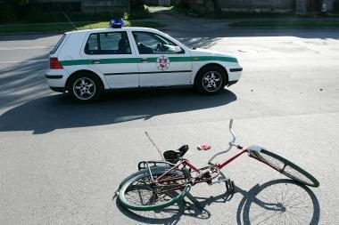 Girtas dviratininkas siūlė kyšį