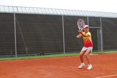 A.Paražinskaitė baigė pasirodymą jaunių teniso turnyre JAV