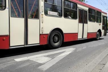 Į troleibusą įvažiavo Čekijos vilkikas