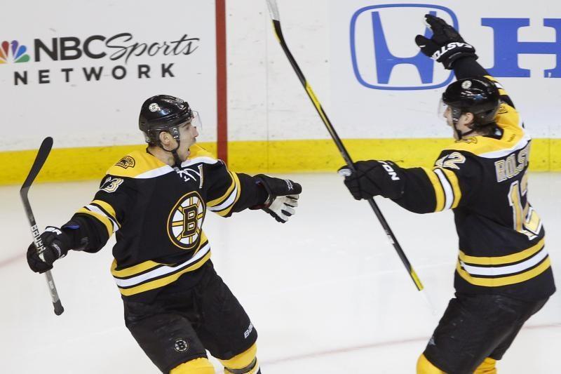 NHL čempionai atkrintamąsias varžybas pradėjo pergale