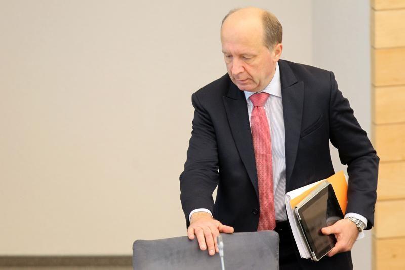 Premjeras tikisi opozicijos paramos dėl palūkanų apmokestinimo