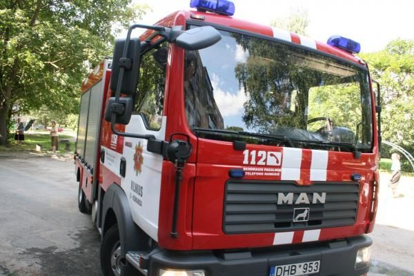 Apvirtęs sunkvežimis blokavo kelią Via-Baltica (papildyta)