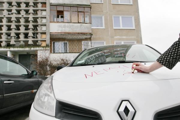 Klaipėdos politikų idėja – mokamos automobilių stovėjimo aikštelės prie daugiabučių