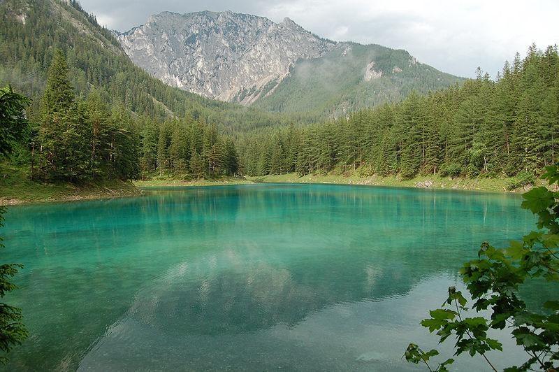 Žaliasis ežeras Austrijoje: parkas vasarą virsta ežeru