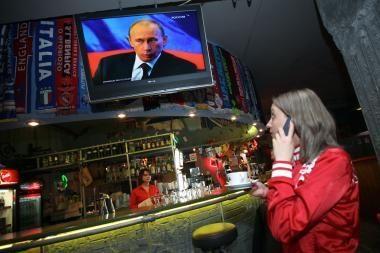 V.Putinas tiesioginiame eteryje vėl bendravo su tauta