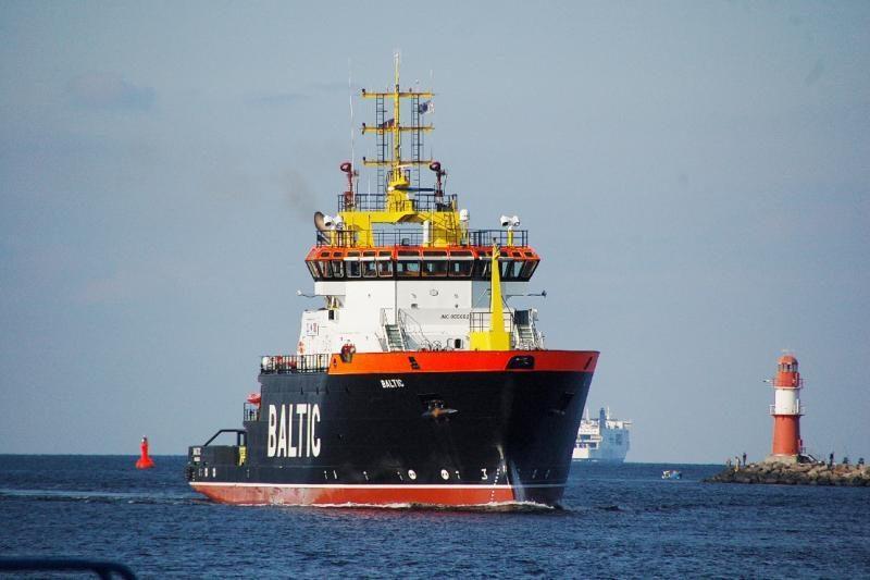 Indonezijoje nuskendus laivui dingo 58 žmonės