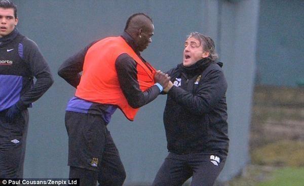 R. Mancini: M. Balotellis komandos draugui spyrė tyčia, pykau tik 2 s.