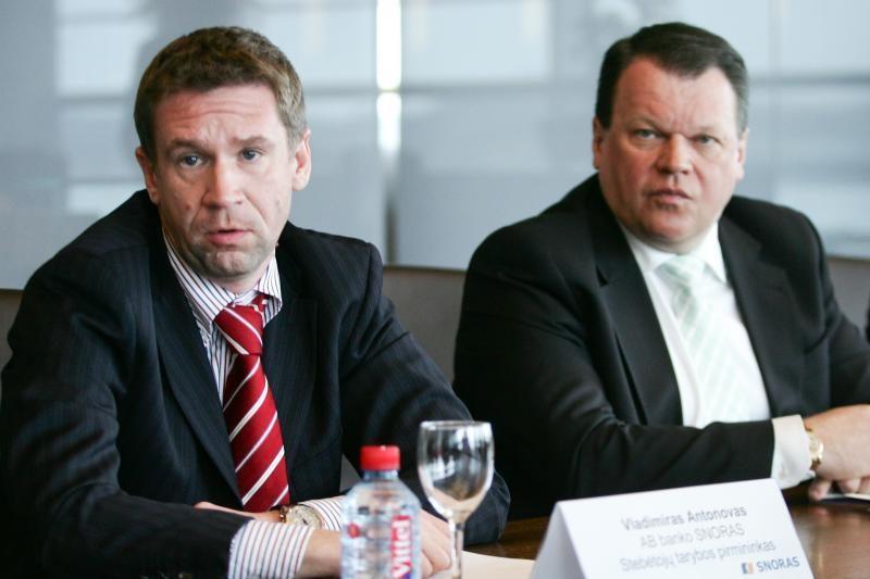 """""""Snoro"""" komisija klausimų V.Antonovui ir R.Baranauskui neformulavo"""