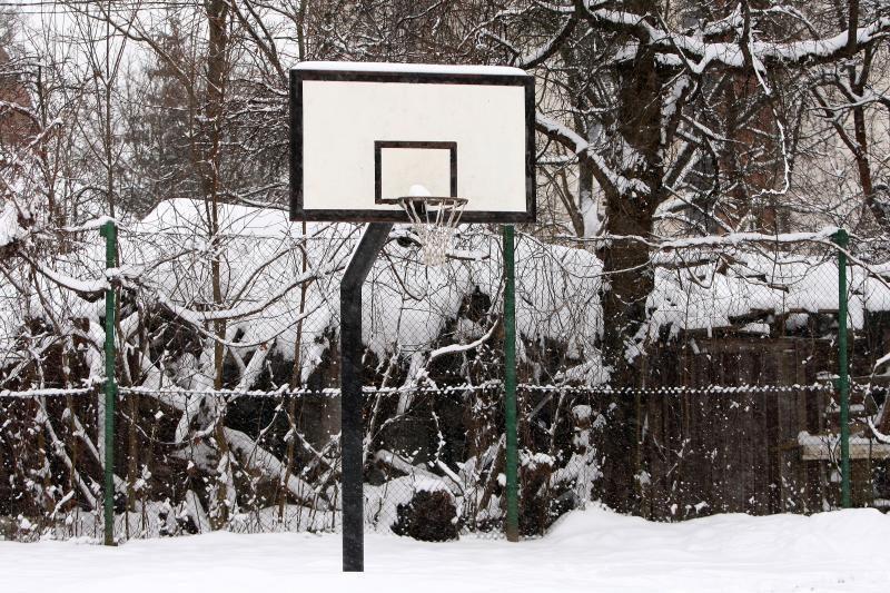 Kiemuose merdinčius krepšinio stovus žadama reanimuoti