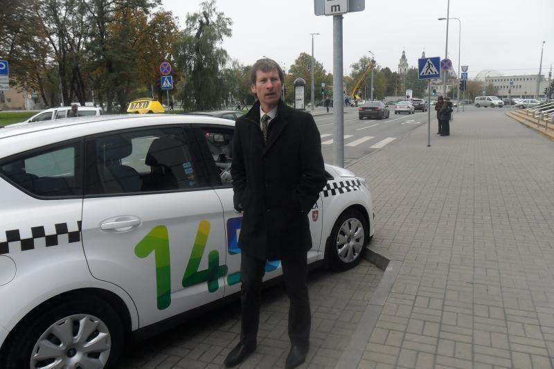 """""""Vilnius veža"""" taksi automobilių nuomos sutartis – neteisėta"""