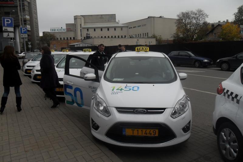 Savivaldybės taksi parką papildys 100 naujų automobilių