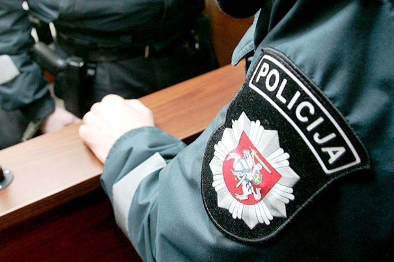 Siūloma dvigubinti baudas už pasipriešinimą pareigūnams