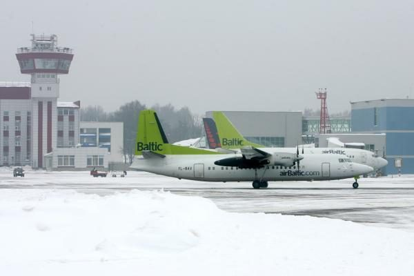 """""""airBaltic"""" atnaujina skrydžius iš Vilniaus į Londoną"""