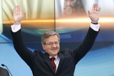 Lenkijos prezidento rinkimuose į priekį išsiveržė B.Komorowskis