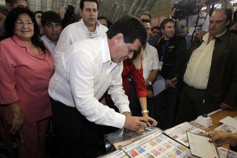 Paragvajus žmonės renka naują prezidentą