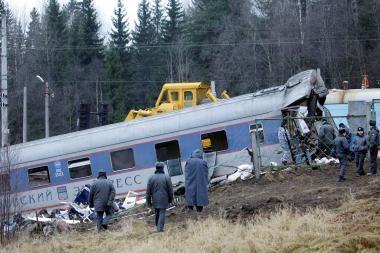 Rusijoje per traukinio katastrofą žuvo kelios dešimtys žmonių
