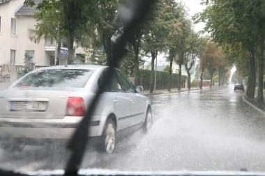 Lietus ir toliau semia Klaipėdos gatves
