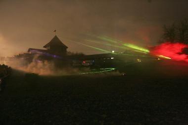 Nepaisant pūgos lazerių šou įvyks (papildyta)