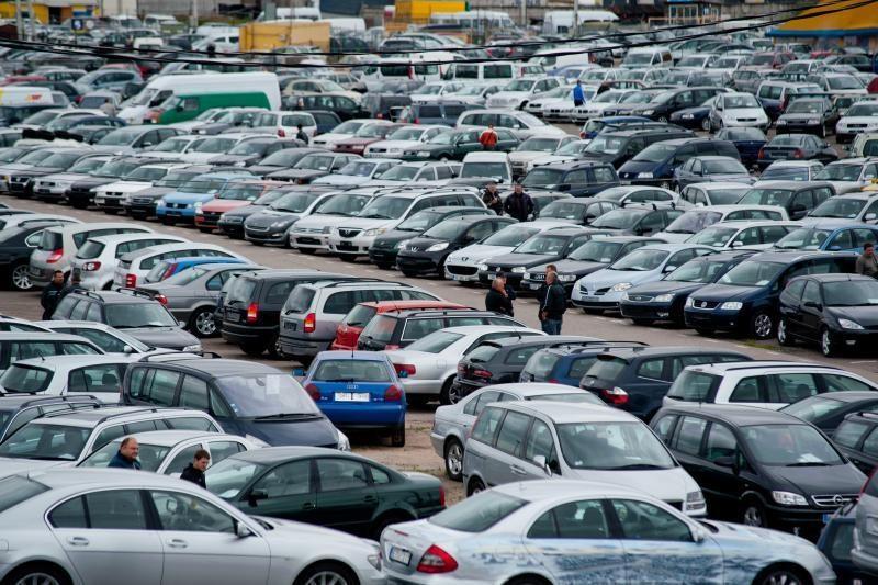 Baltarusis Lietuvoje nusipirko BMW su Vokietijoje vogtu liudijimu
