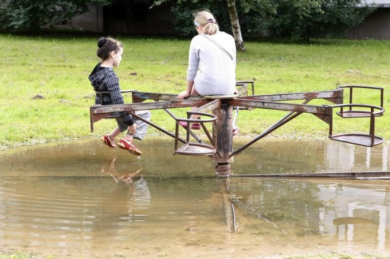 Dėl vaikų sveikatos sunerimę tėvai skambina pavojaus varpais