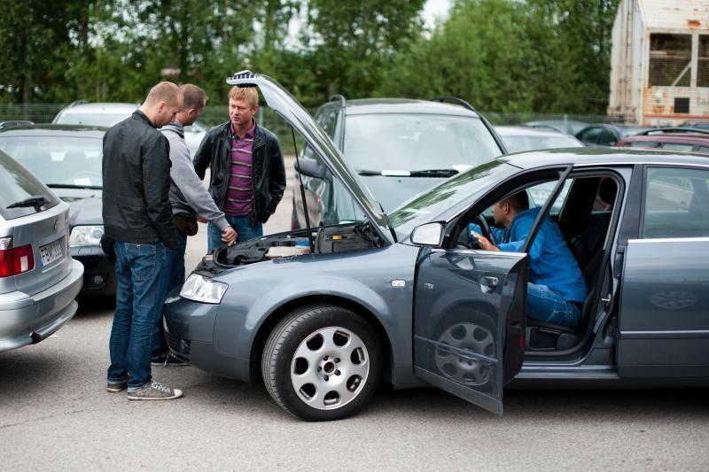 Kai laikas keisti automobilį: ar verta naudotis supirkėjų paslaugomis?