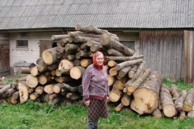 Kauno rajono vieniši gyventojai aprūpinti malkomis