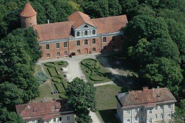 Raudondvario pilį atidavė statybininkams