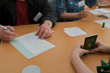 Lietuviai galės pasirinkti turėti asmens tapatybės kortelę ar pasą