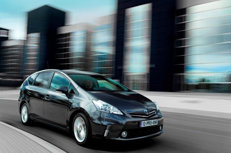 """""""Toyota"""" vėl pirmauja geriausių pasaulinių ekologiškų ženklų sąraše"""