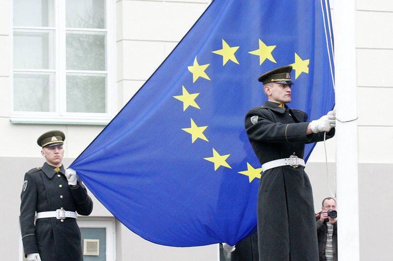 ES sveikina airius - šie balsavo už Europos finansinės drausmės paktą