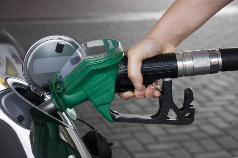 Dyzelinas kainuoja beveik tiek pat kiek benzinas