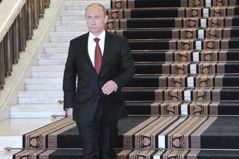 V.Putinas pasirašė dekretą dėl naujos vyriausybės sudarymo