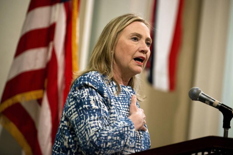 Egiptiečiai H.Clinton kortežą apmėtė pomidorais