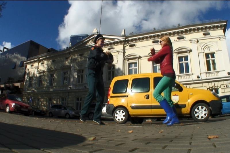 Smagus video: laisvu stiliumi pirmyn - į sveiką miestą Klaipėdą!