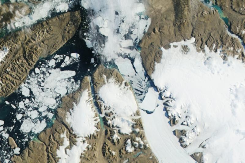 Nuo Grenlandijos ledyno atskilo didžiulis ledkalnis