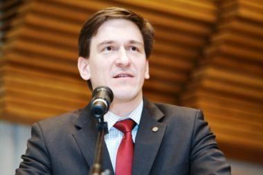 Ūkio ministras: iš valstybės įmonių į biudžetą galėtų įplaukti 1,6 mlrd. litų