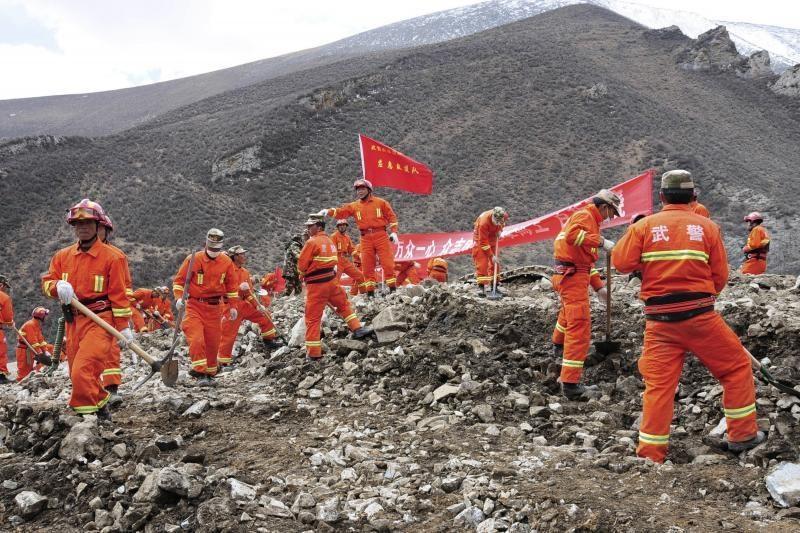 Tibete rasti 66 nuošliaužos užverstų žmonių kūnai