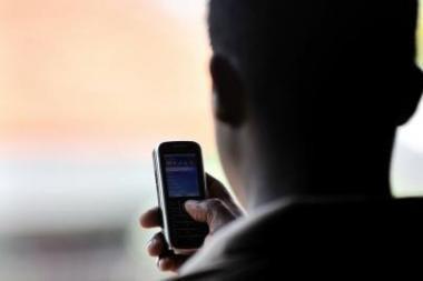 Telefoniniai sukčiai vietoje pinigų pasiglemžė daiktus