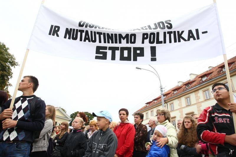 Gyventojai dėl prastų Lietuvos ir Lenkijos santykių kaltina LLRA