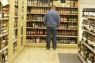 Kitąmet alkoholio įsigyti bus sunkiau