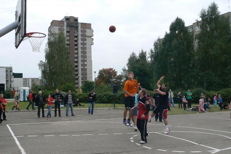Snaudulys Justiniškių nekankina: čia klesti krepšinis