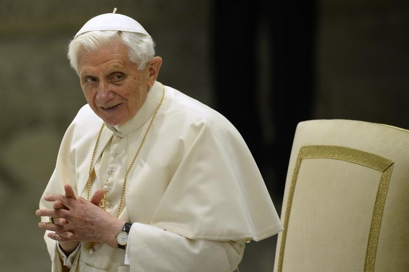 Paviešintos pirmosios atsistatydinusio popiežiaus nuotraukos