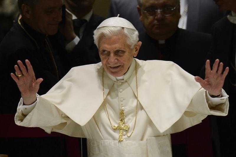 Atsistatydinantis popiežius po emocingų mišių perduos savo išmintį