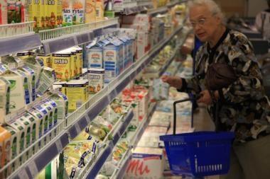Pienas parduotuvėse vėl brangs