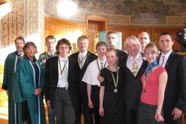 Du medaliai iš 8-osios Europos Sąjungos gamtos mokslų olimpiados