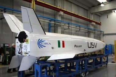 Italija bando kosminį lėktuvą