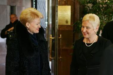 Prezidentė ir Seimo vadovė neužleidžia populiariausiųjų pozicijų, rodo apklausa