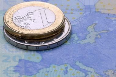 ECB apklausa: euro zonos ūkio prieaugis šiemet sieks 1,2 proc.